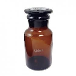 茶色廣口瓶